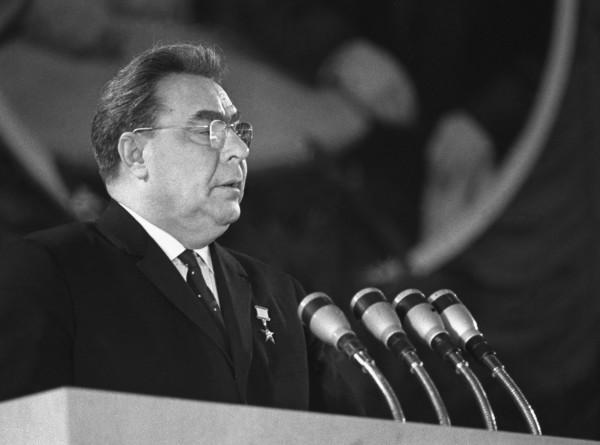 Покушение на генсека: зачем лейтенант пытался застрелить Брежнева