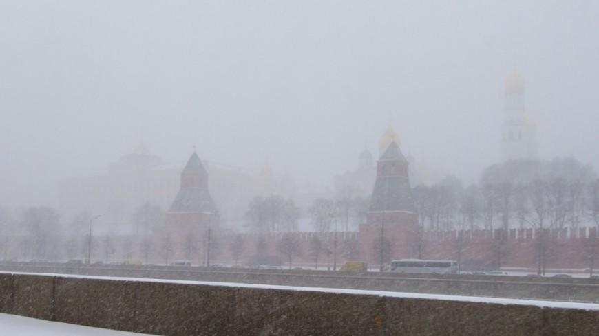 "Фото: Максим Кулачков, ""«Мир 24»"":http://mir24.tv/, москва, снегопад, снег, зима"
