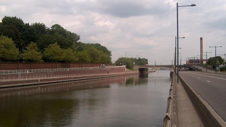 В столице Бельгии рухнул мост