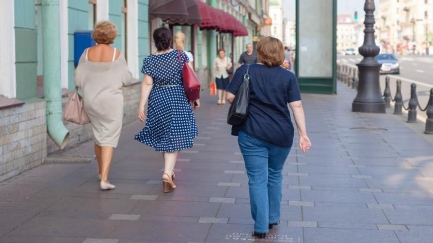 """Фото: Марина Дыкун (МТРК «Мир») """"«Мир 24»"""":http://mir24.tv/, женщины, санкт-петербург, питер, невский проспект, дорога, пешеход, пешеходы, люди"""