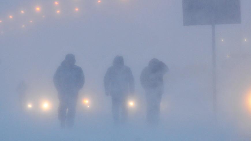 Аэропорт и дороги в Норильске закрыли из-за густого снегопада