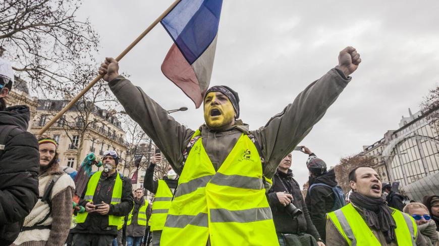 Без насилия: «желтые жилеты» придумали новый вид протеста