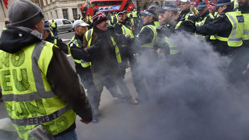 «Желтый жилет», избивавший жандармов, сдался властям Франции