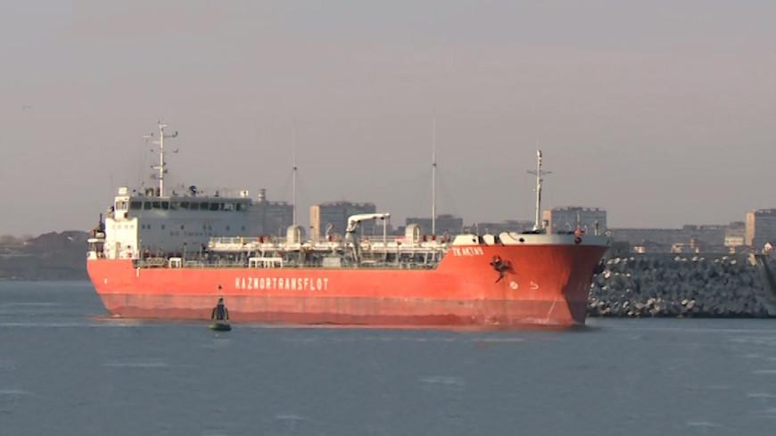 «МИР» на борту нефтяного танкера: как Казахстан соединяет Восток и Запад