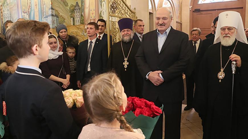 Лукашенко в Рождество призвал все народы к дружбе и сотрудничеству