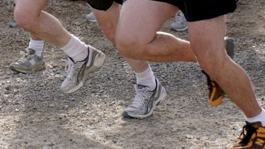 """Фото: """"Tony M. Lindback, официальный сайт Минобороны США"""":http://www.defense.gov/, спорт, бег, марафон, ноги"""