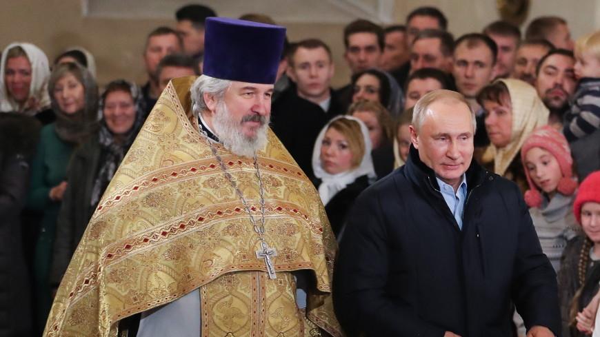 Путин подарил Спасо-Преображенскому собору икону «Господь Вседержитель»