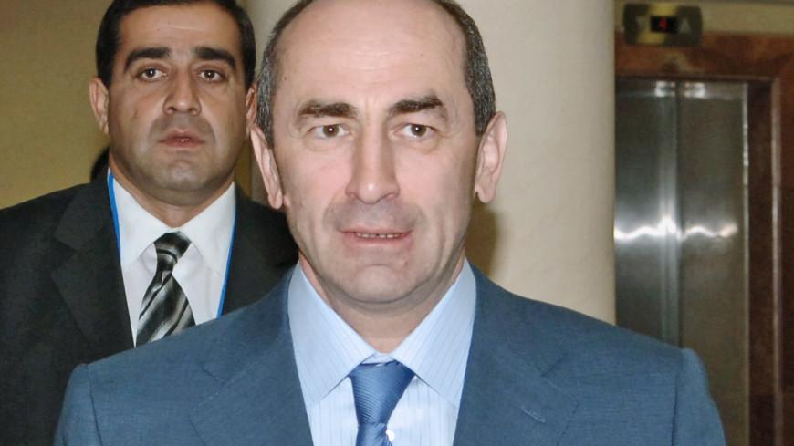 Обвинители просят продлить Роберту Кочаряну срок ареста