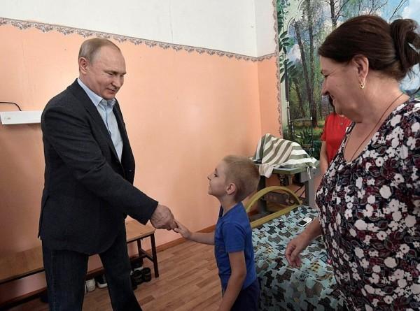 Мальчик из Тулуна рассказал Путину про утонувший детсад