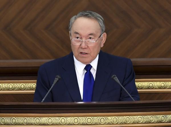 Назарбаев поздравил металлургов Казахстана с профессиональным праздником