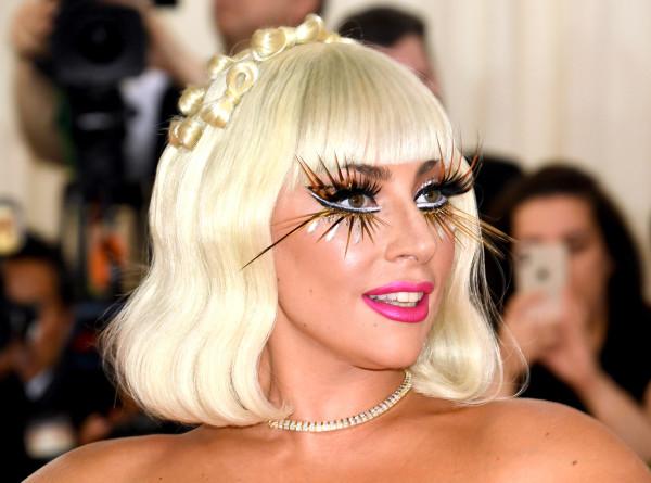 Леди Гага вышла в свет в платье от жены мэра Тбилиси