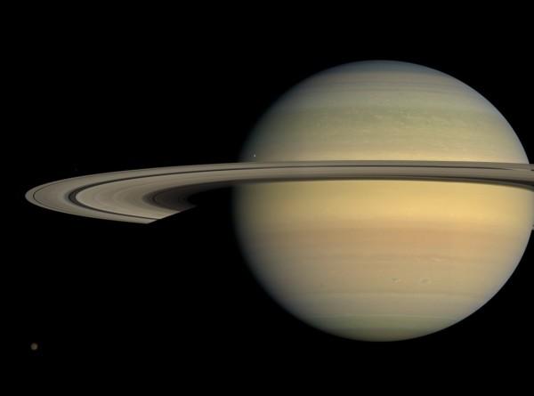 Спутник Сатурна достиг идеального возраста для развития жизни