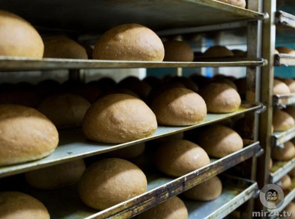 Пострадавшим от паводка под Иркутском раздали 10 тонн хлеба и воду