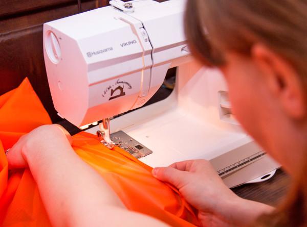 Швейное дело: в Нур-Султане женщинам помогают освоить новую специальность