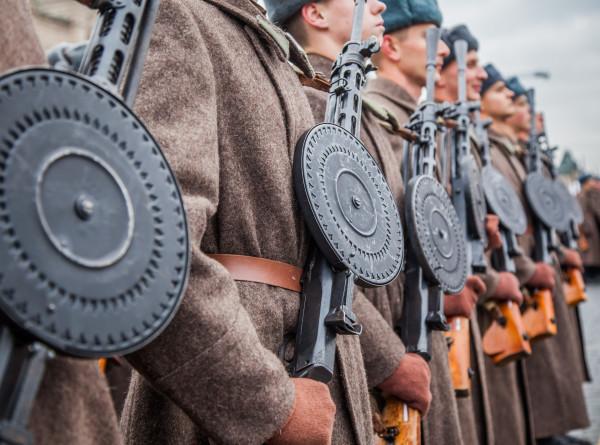 В Минске реконструировали партизанский парад