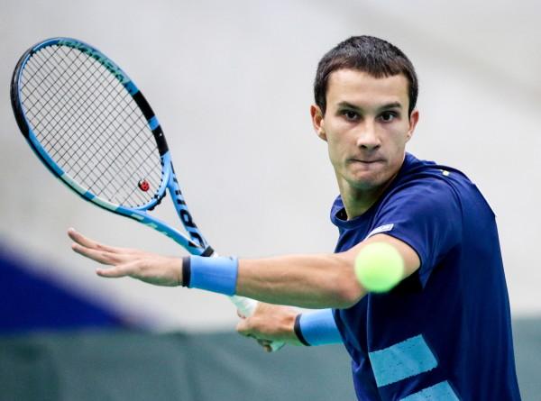 Теннисист Донской победил на турнире серии Challenger в Нур-Султане