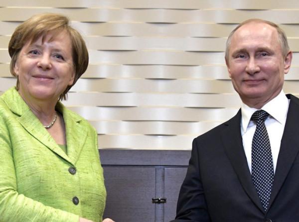 Путин позвонил Меркель и тепло поздравил ее с юбилеем