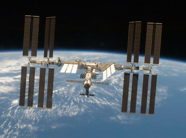 Экипаж корабля «Союз МС-13» благополучно перешел на МКС