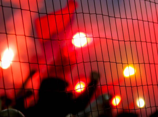 В Париже фанаты сборной Алжира снова на радостях устроили беспорядки