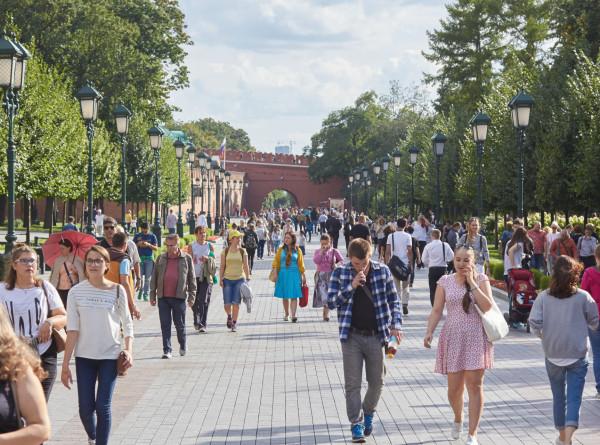 Семь мест, где можно познакомиться в Москве этим летом