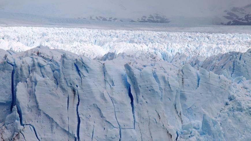 От ледника Антарктиды откалывается гигантский айсберг
