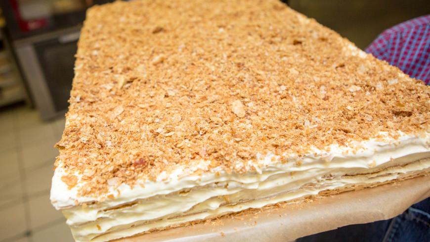 """Фото: Алан Кациев (МТРК «Мир») """"«Мир 24»"""":http://mir24.tv/, торт наполеон, десерт, сладкое, сладости, сладость, еда, торт"""