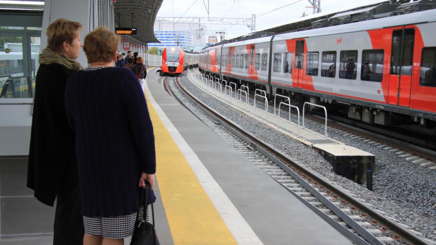 """Фото: Надежда Сережкина (МТРК «Мир») """"«Мир 24»"""":http://mir24.tv/, пассажиры, мцк, московское центральное кольцо, метро, общественный транспорт, пассажир, пассажиры метро"""