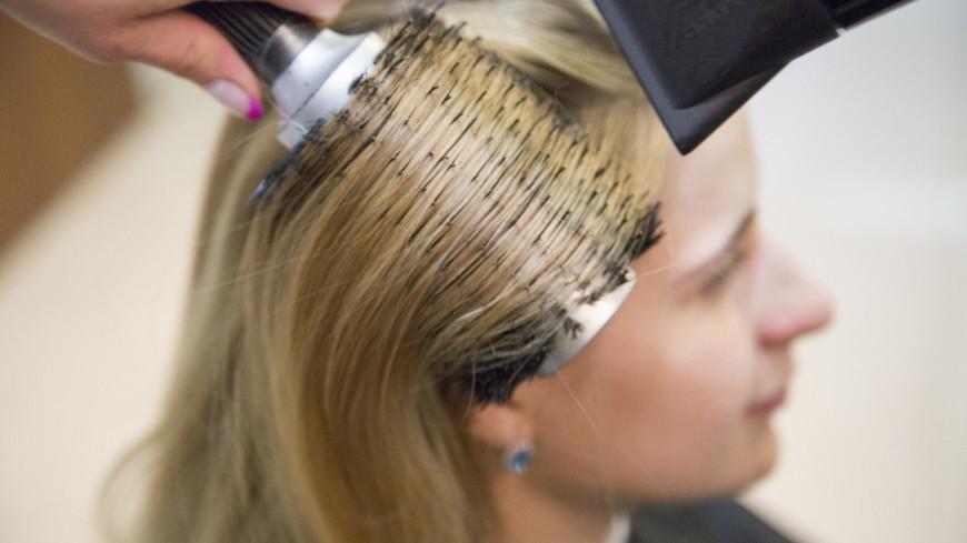 В салоне красоты,салон красоты, прическа, парикмахер, укладка, уход, красота, мастер, фэн, фен, расческа, ,салон красоты, прическа, парикмахер, укладка, уход, красота, мастер, фэн, фен, расческа,