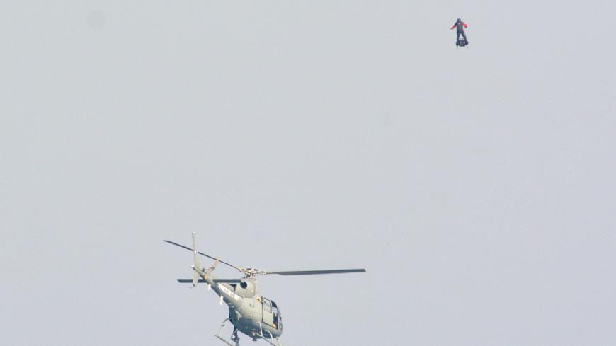 Француз не сумел пересечь Ла-Манш на летающей доске