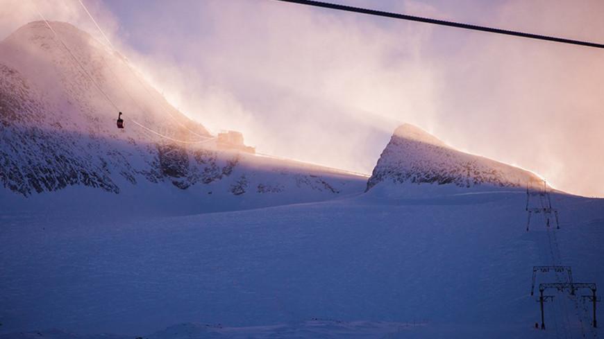 """Фото: Елизавета Шагалова, """"«МИР 24»"""":http://mir24.tv/, альпы, горнолыжный курорт, горы, горнолыжные подъемники, подъемник"""