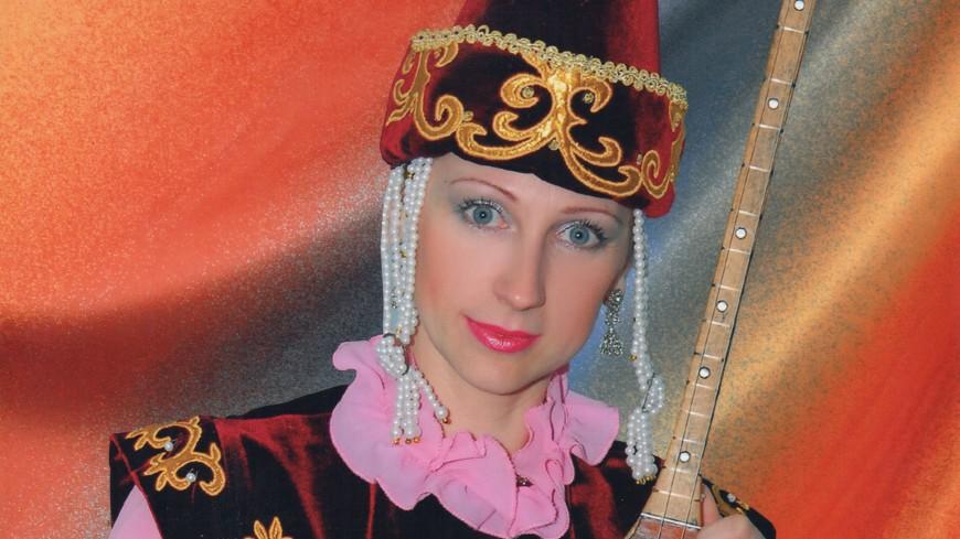 Как русская девушка из Иваново стала обучать игре на домбре казахских детей