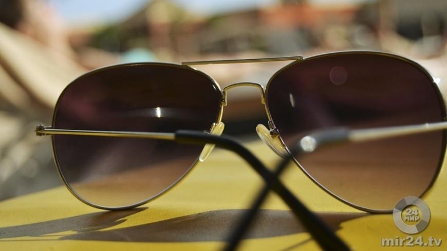 Эксперты рассказали, чем опасны некачественные солнцезащитные очки