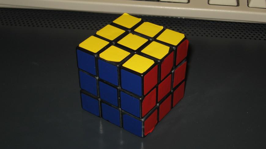 Искусственный интеллект научился собирать кубик Рубика за 20 ходов