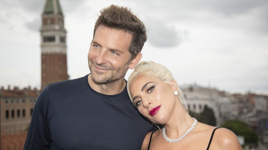 СМИ: Леди Гага беременна, отец – Брэдли Купер