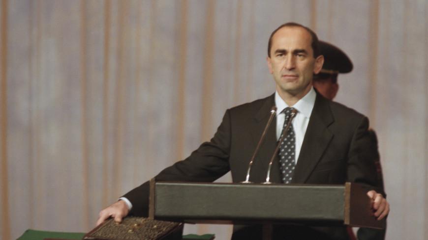 Конституционный суд Армении приостановил дело экс-президента Кочаряна