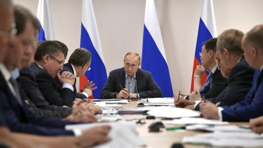 Путин потребовал ускориться с помощью пострадавшим от наводнения