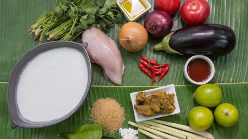 Продукты для приготовления обеда,кухня, готовить, приготовление, обед, ланч, ужин, еда, есть, помидор, томат, зелень, специи, соус, салат, баклажан, курица, грудка, ,кухня, готовить, приготовление, обед, ланч, ужин, еда, есть, помидор, томат, зелень, специи, соус, салат, баклажан, курица, грудка,