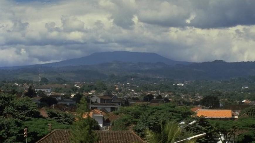 В Индонезии активизировался мощный вулкан