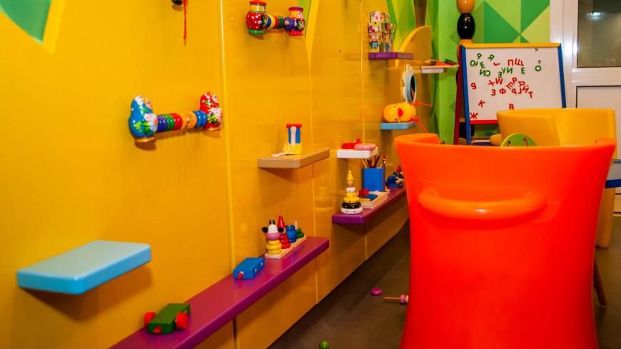 """Фото: Сергей Минеев (МТРК «Мир») """"«Мир 24»"""":http://mir24.tv/, детская, больница, врач, врачи, обследование, доктор, лаборатория, медицина, медицинская помощь, болезнь, кабинет, кабинет врача, игрушка, игрушки, дети"""