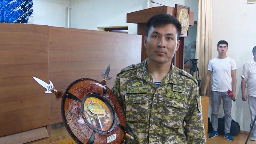 Кыргызстанец пробежал 374 километра по берегу Иссык-Куля