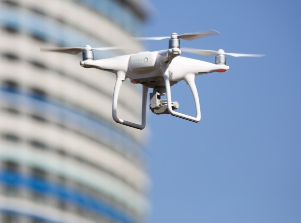 Воздушная разведка: Росреестр проверяет дачные участки с помощью дронов