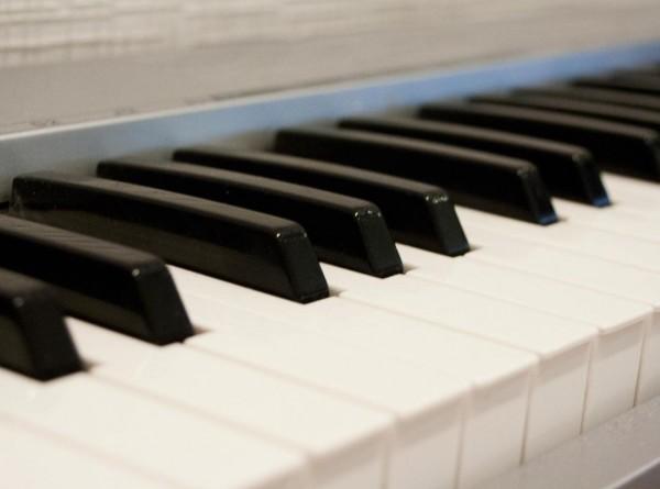 В Минске выставили на продажу квартиру с 11 фортепиано