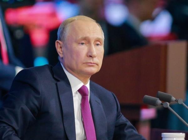 Число обращений на «Прямую линию с Путиным» превысило 800 тысяч