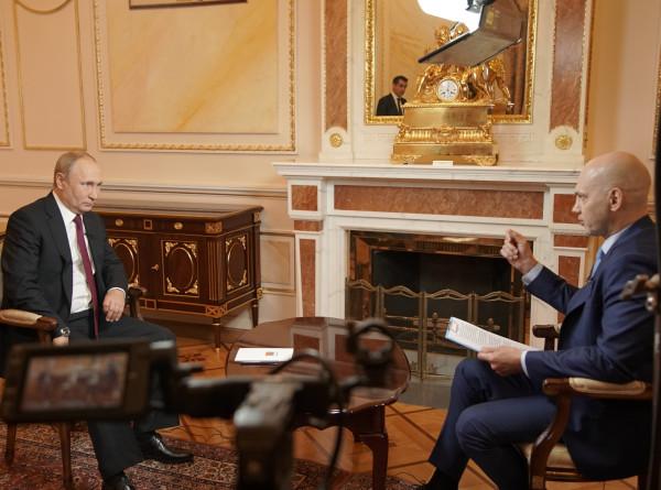 Владимир Путин в интервью телеканалу «МИР» – о ШОС, торговой войне между Китаем и США, отношениях с Казахстаном и Украиной, ситуации в Молдове и едином информационном пространстве Содружества