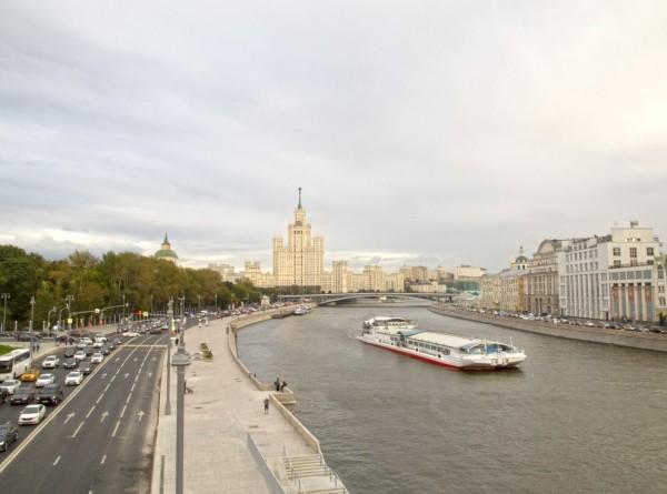 Лето на паузе: в Москву на смену аномальной жаре пришло похолодание