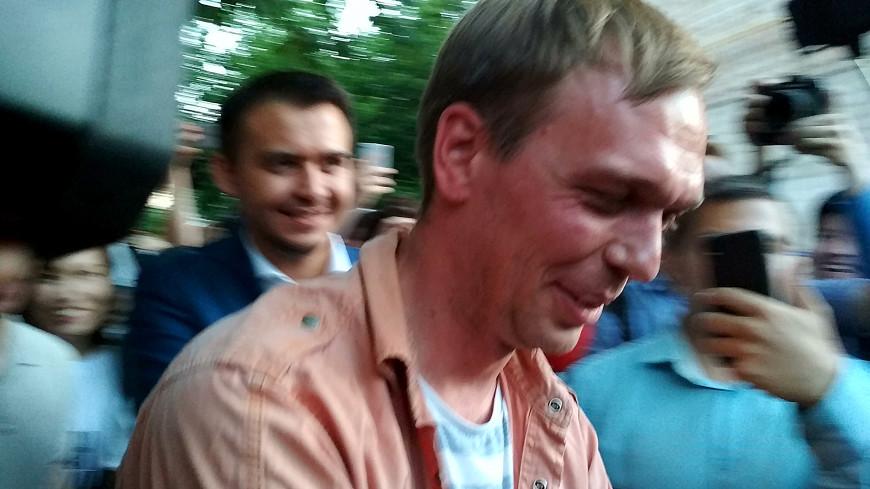 СК начал проверку в отношении полицейских, задерживавших Голунова