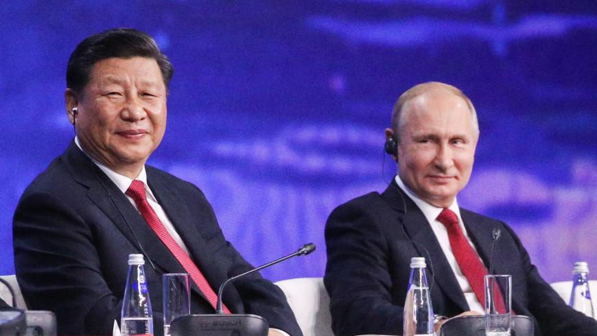 Си Цзиньпин поделился впечатлениями о прогулке с Путиным по Неве