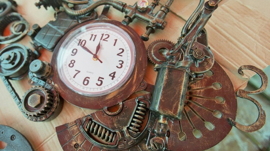 """Фото: Алан Кациев (МТРК «Мир») """"«Мир 24»"""":http://mir24.tv/, изделия, кузнецы, ремесло, часы, время, изделие"""