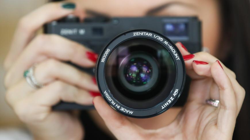 В России возобновили продажи легендарной фотокамеры «Зенит М»