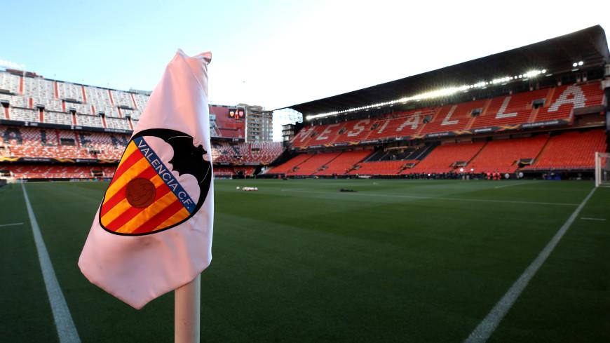 Спортдайджест: на стадионе в Испании «сидит» памятник самому преданному болельщику